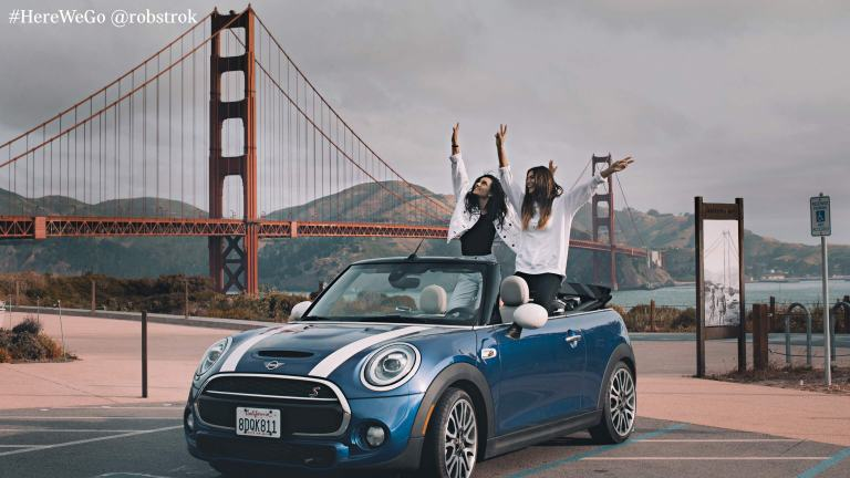 MINI Convertible – blue and white – MINI Mobility Program